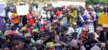ABRIL - Familiares y activistas recordaron el secuestro de las 276 niñas nigerianas a manos del grupo terrorista Boko Haram