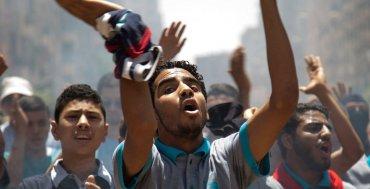 JULIO - Protestas en Gaza contra la sentencia a muerte del presidente egipcio Mohamed Mursi