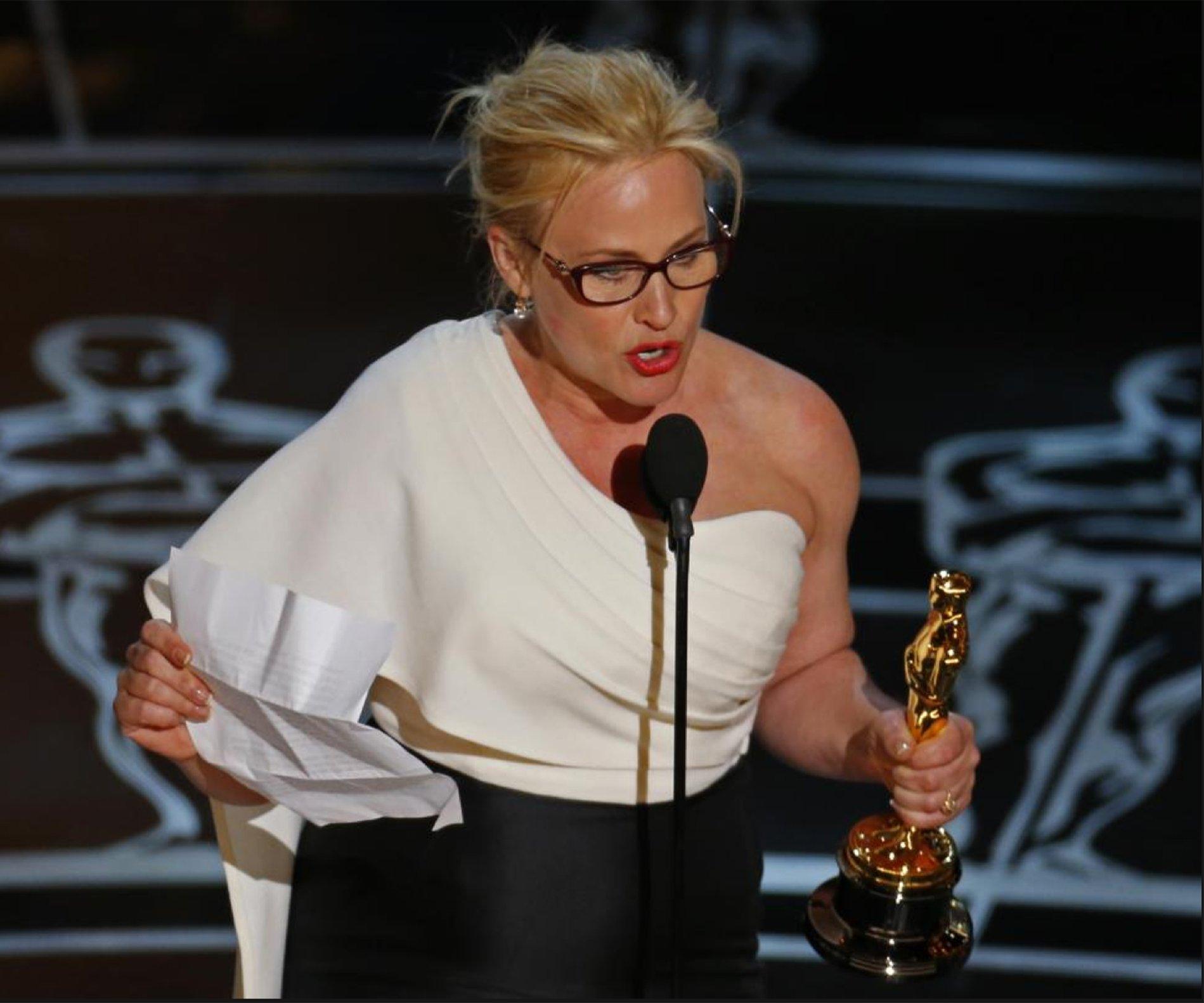 Para todas las mujeres que hayan dado a luz, para todos los que  pagan sus impuestos y para cada ciudadano de esta nación, hemos luchado  para que todos los demás tengan los mismos derechos. Es tiempo de que  nosotras tengamos equidad salarial, de que haya igualdad de derechos  para las mujeres en Estados Unidos, de una vez por todas.Patricia Arquette, mejor actriz de reparto de 2015 por Boyhood