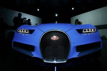 Su diseño exterior está inspirado en el legendario Bugatti Type 57SC Atlantic.