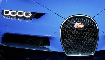 El Bugatti Chiron utiliza un sistema de turbcompresores de dos etapas, por debajo de las 3.800 vueltas solo funcionan dos y a partir de esta cifra empiezan a soplar los otros dos.