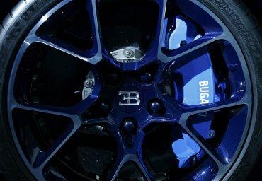 Los neumáticos Michelin delnuevo Chironhan sido probados en instalaciones aeroespaciales, garantizando una total performance sobre cualquier tipo de superficie.