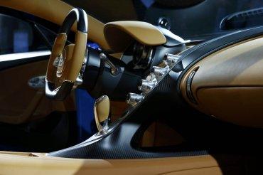 El confort interior no escapa a la espectacularidad del conjunto del nuevo Bugatti Chiron.