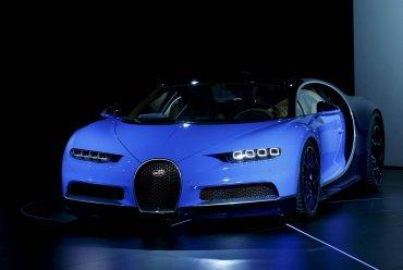 La velocidad máxima del Bugatti Chiron es de 420 km/h pero está autolimitada.