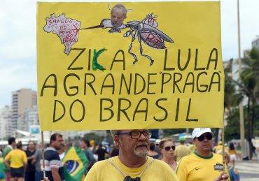 Miles de manifestantes levantaron carteles contra Lula da Silva por su escándalo de corrupción