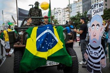 Miles de personas inundaron las playas de Copacabana en Río de Janeiro