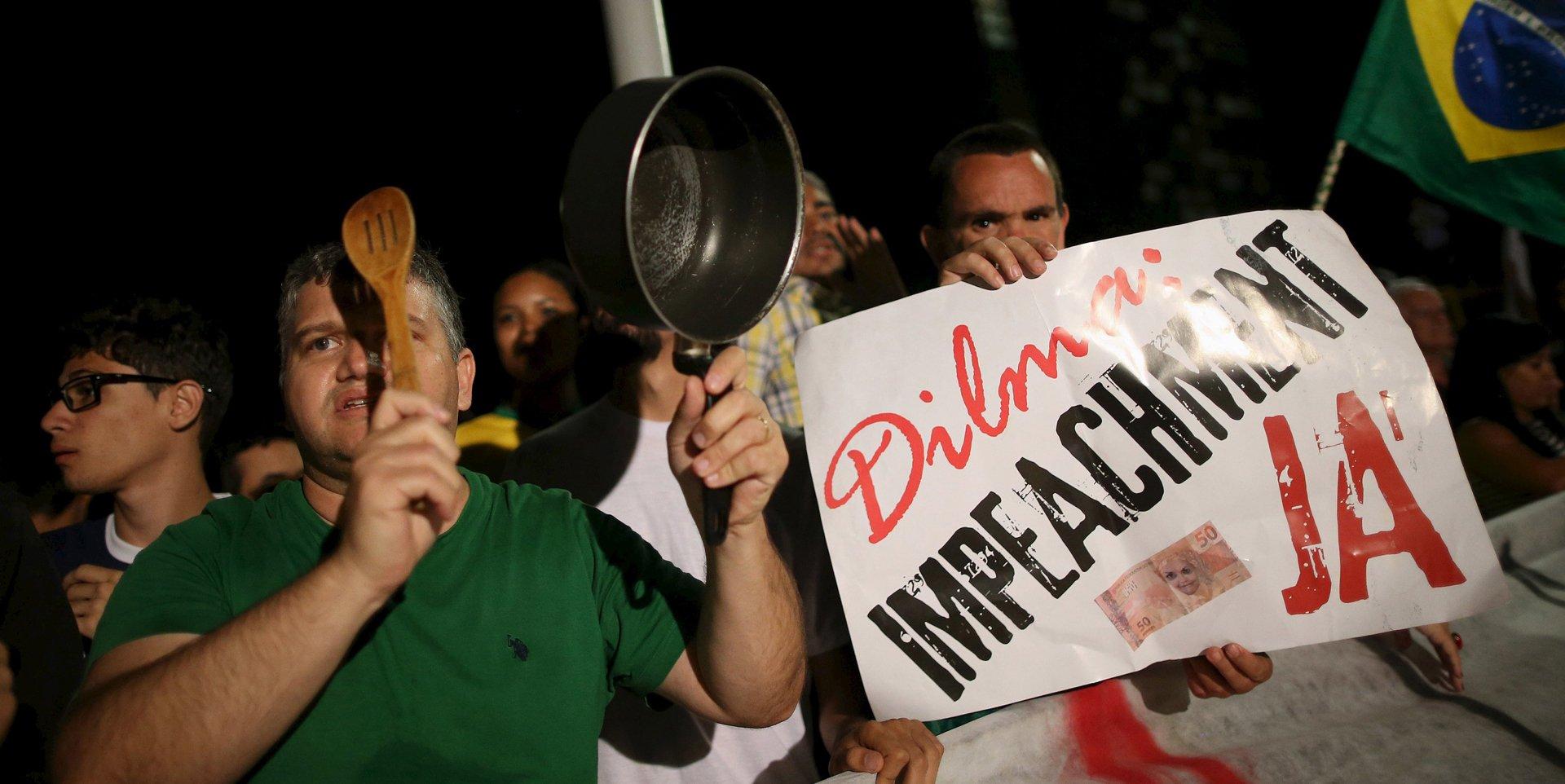 Brasileños indignados se congregaron este miércoles en varias ciudades del país, tras la divulgación de una embarazosa conversación telefónica entre la presidenta Dilma Rousseff y su antecesor y flamante ministro Lula da Silva