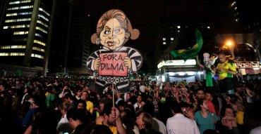La Corte Suprema de Brasil permitió este miércoles a la Cámara de Diputados proseguir con el trámite del juicio político a la Presidenta. El Senado, con mayoría oficialista, seguirá teniendo la última palabra