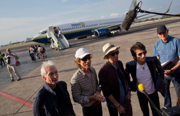 La visita es también una deuda pendiente en la isla, donde durante los años 70 la música de la banda fue silenciada.