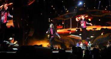 El concierto contó con una impactante puesta en escena y 10 pantallas