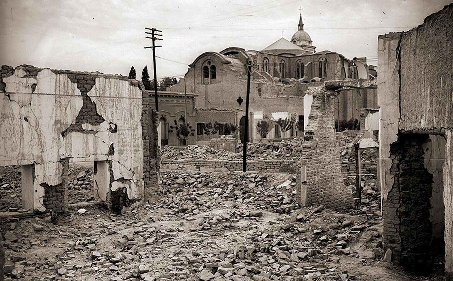 San Juan, Argentina. 15 de enero de 1944.El peor terremoto de la historia argentina (7,4 en la escala de Richter) dejó 8.000 muertos y más de 12 mil heridos en la provincia de San Juan, al oeste del país. También se sintió en otras partes del país y en Chile