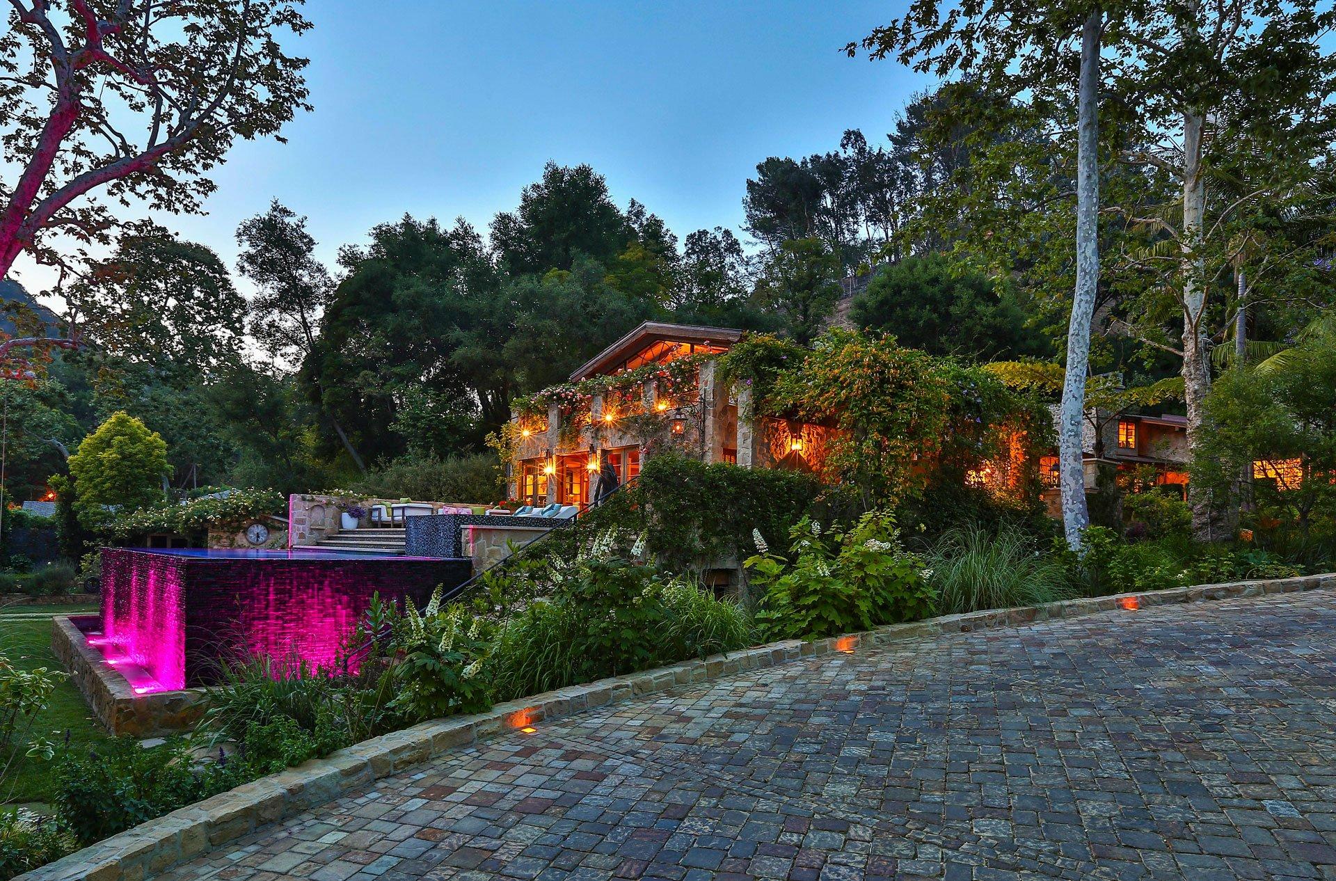 Otra vista de la vivienda que Jennifer Lopez compró a la actriz Sela Ward
